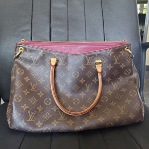 Authentic Louis Vuitton Pallas MM